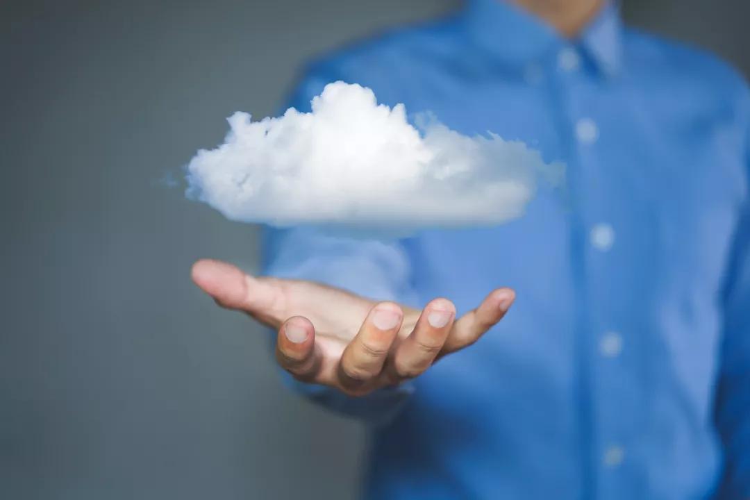 万博官网man手机登陆云企进入2.0时代:数据智能搭载云服务